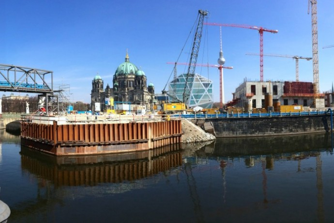 Panorama of construction of the Berlin Stadtschloss and U5