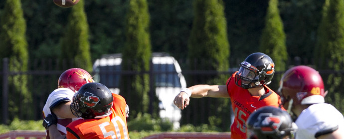 =l15 passes during the second half of the game between the Lewis & Clark Pioneers and Claremont-Mudd-Scripps Stags, July 2, 2015, at Lewis & Clark College. (Mike Zacchino photo)
