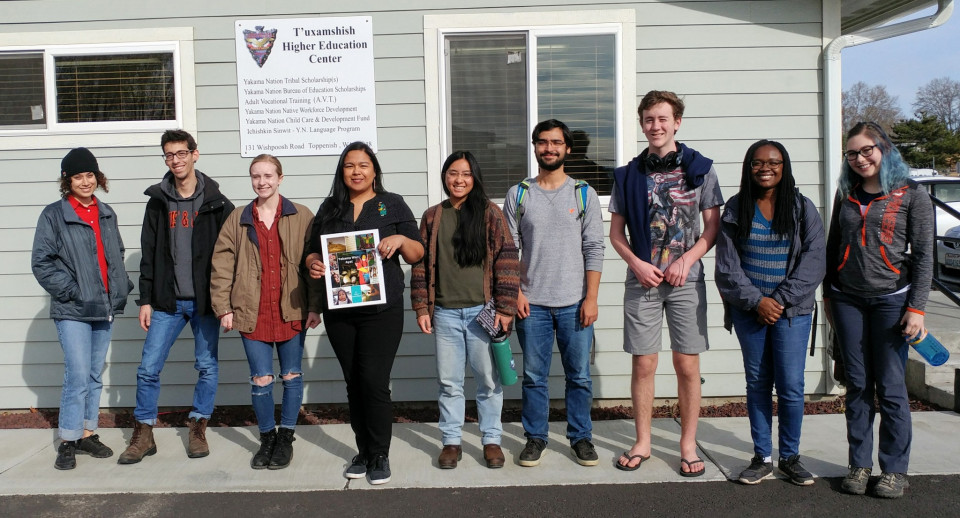 Alternative spring breakers meet with Yakama filmmaker and educator Emily Washines.